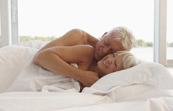Pacientes idosos e médicos devem conversar mais sobre sexo ...